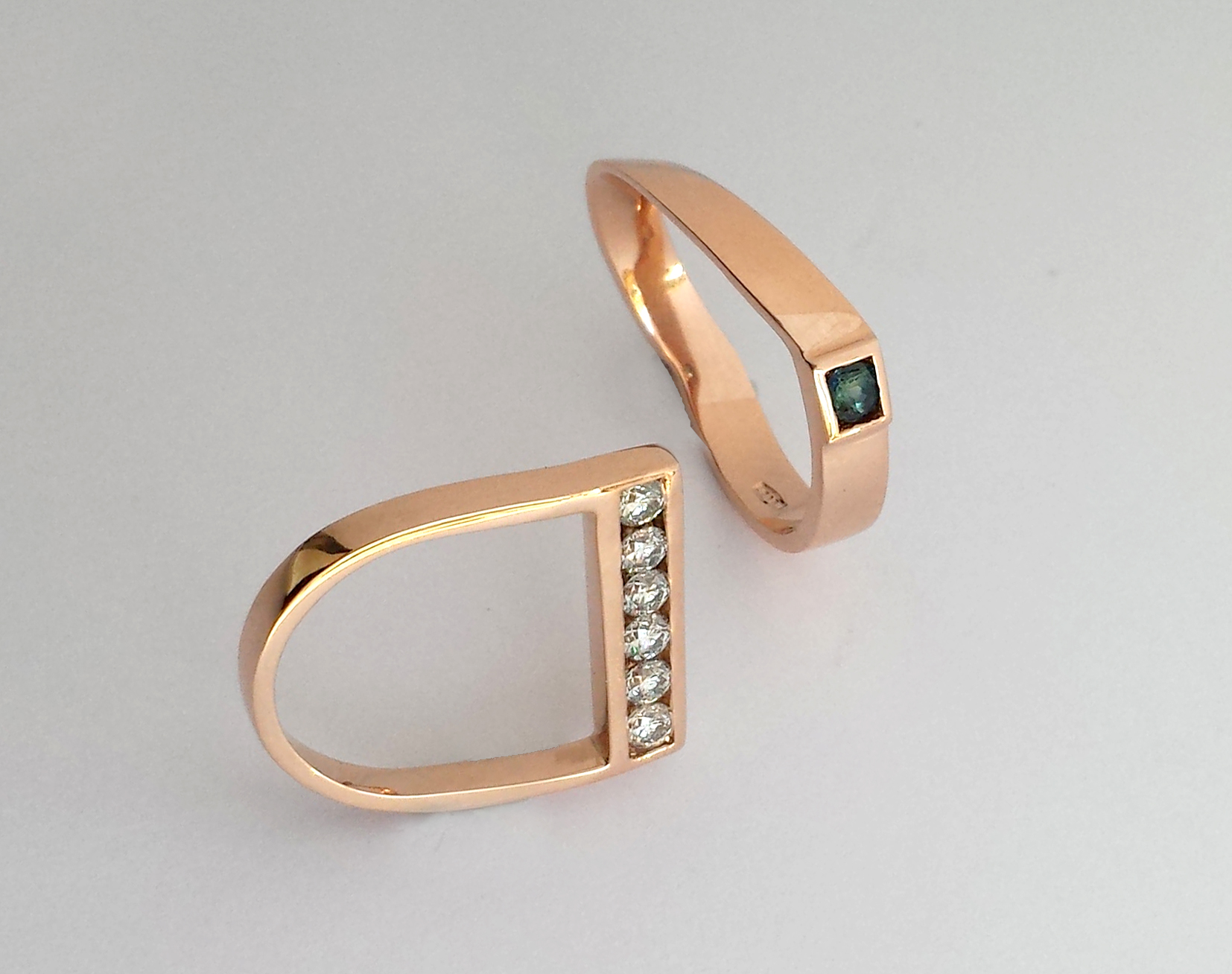 yellow gold diamond sapphire wedding rings geometric design
