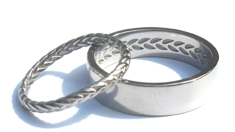 echo_matching_complimntary_designer_wedding_rings_custom_band_imprint_contemporary jewellery