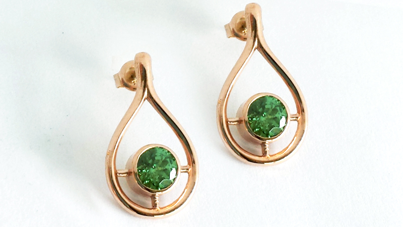 green_tsavorite_garnet_earrings_rose_gold_gem_stone_stud_unique_custom