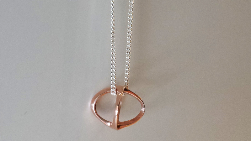mini_shadow_pendant_rose_gold_silver_chain