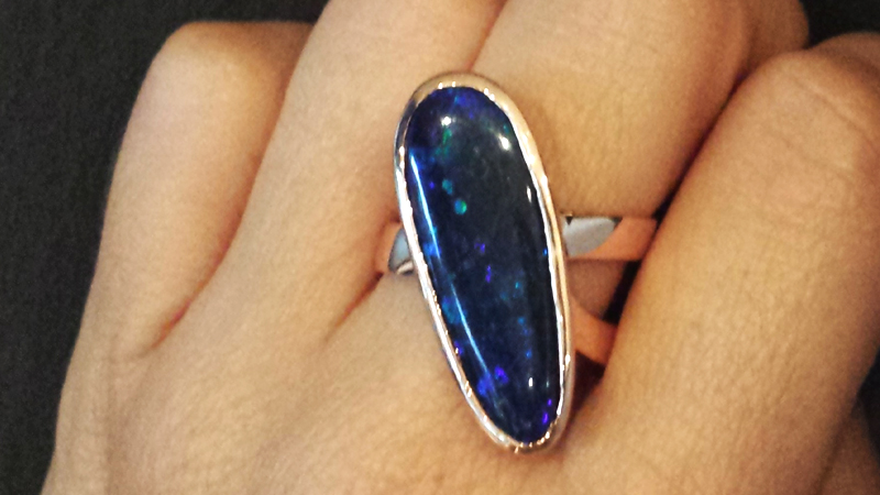 opal_contemporary_ring_australian_blue_large_diagonal_oval_contemporary jewellery