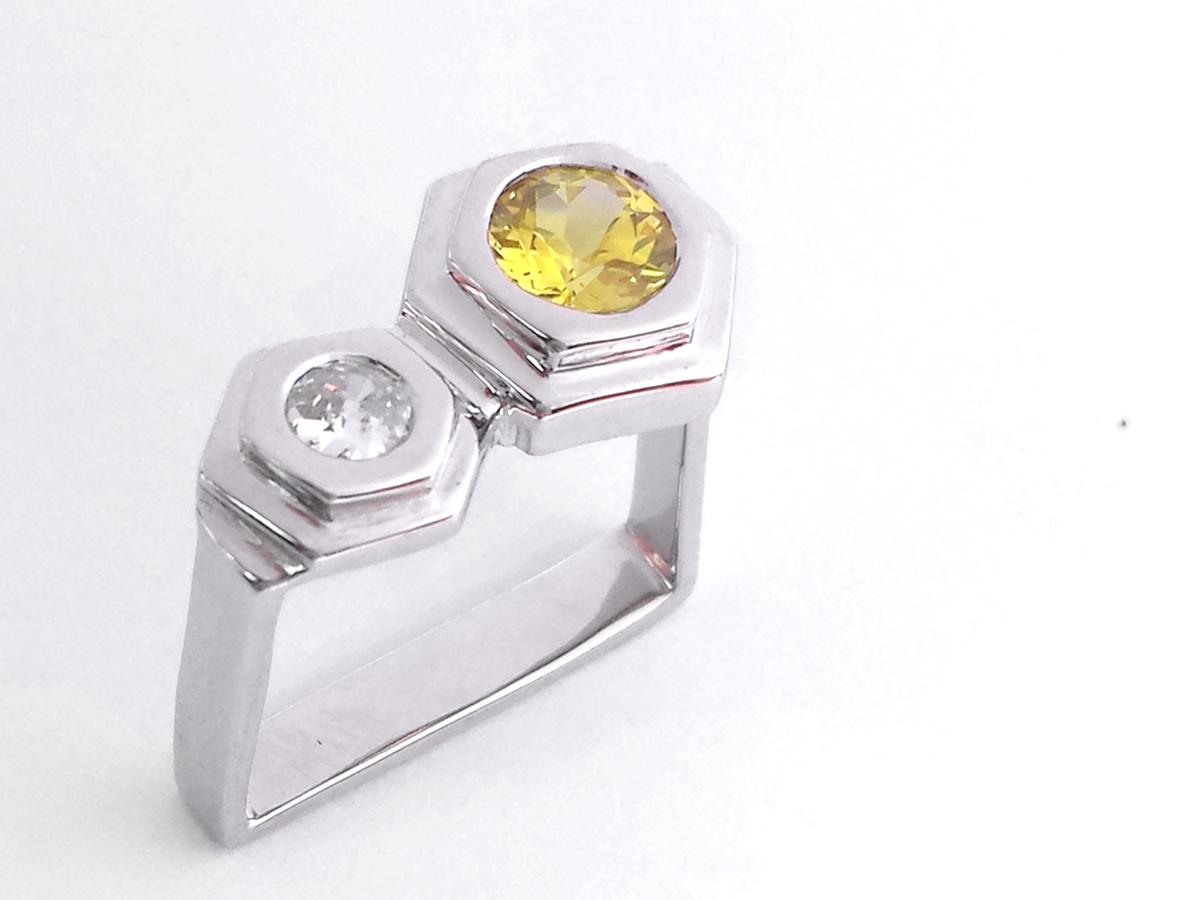 Chiara_yellow_sapphire_ring_custom_design_white_gold_bilingual