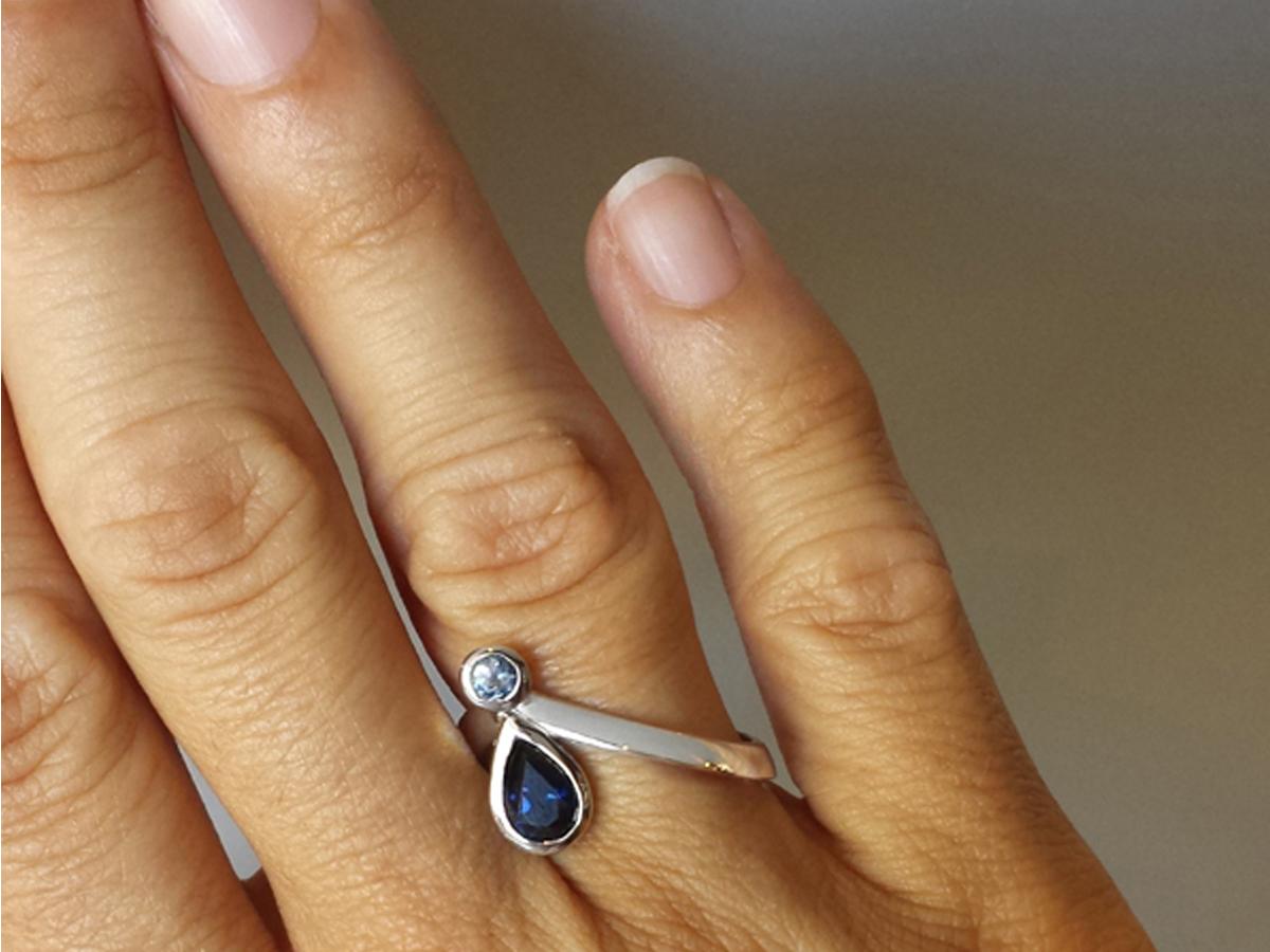 blue_sapphire_australian_ceylon_ring_diagonal_pear_unique_custom_design_ratio